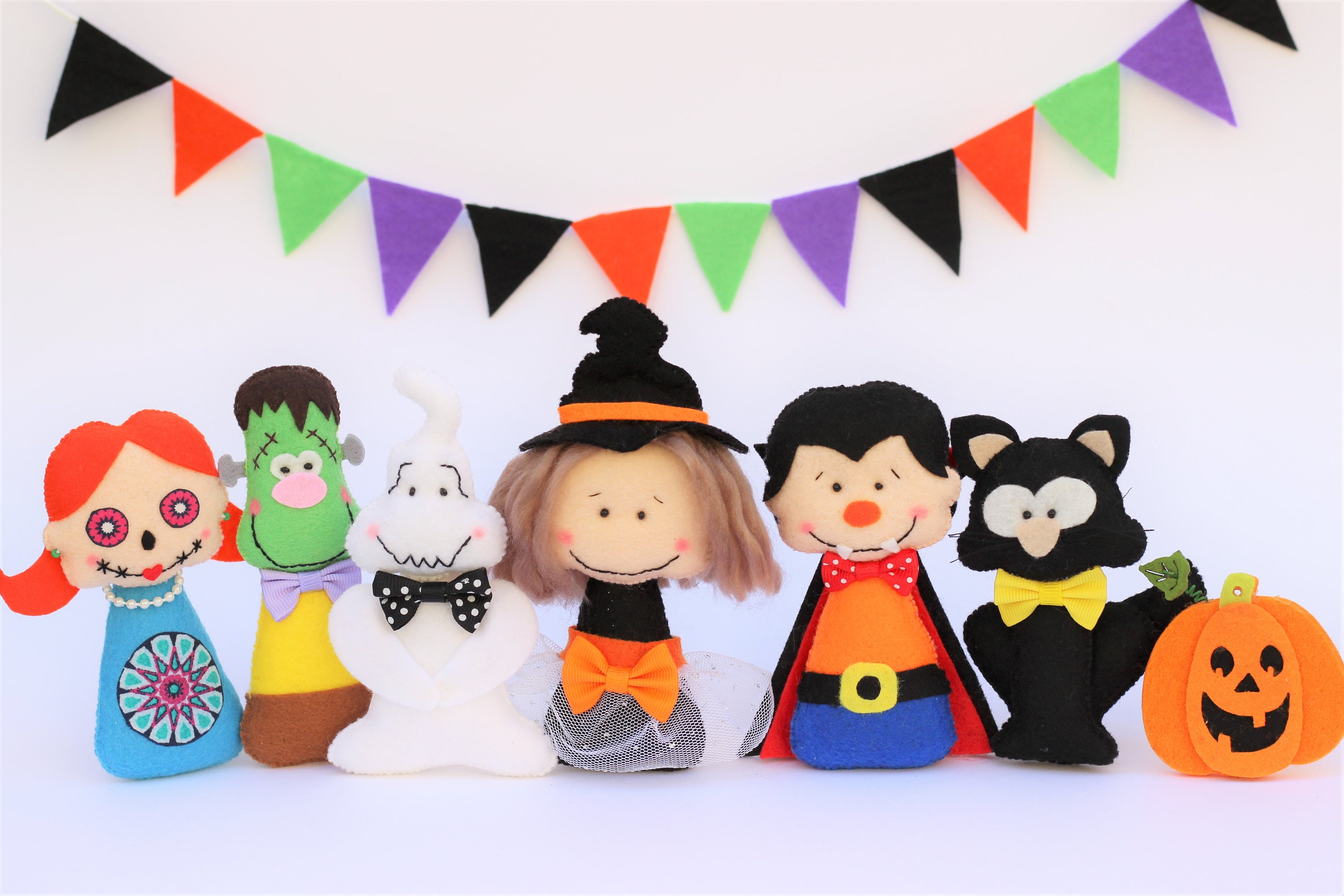 Mu ecos de fieltro decoraci n halloween peluches monstros for Articulos decoracion halloween
