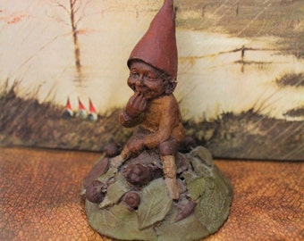 """Vintage Gnome """"EDDIE"""" by Tom Clark ~ 1984 # 83 Small Gnome Sculpture ~ Cairn Studio Retired ~ #55 Story ~ Collectible Gnomes Embedded Coin"""