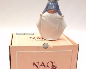 Vintage Retired Lladro NAO 'Girl Picking Up Her Skirt' Handmade Porcelain FIGURINE 1290