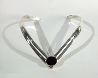 Vintage Mexican Modernist Taxco Sterling Silver and Black Obsidian Neckring