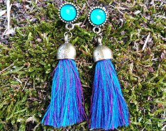 Chime earrings with tassels of colors