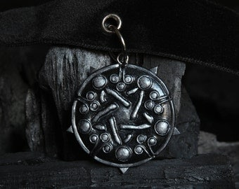 The Witcher 3 Yennefer Wild Hunt Medallion Amulet Choker Necklace