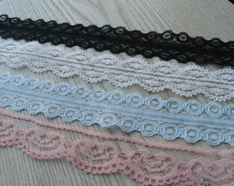 Thick Lace Chokers