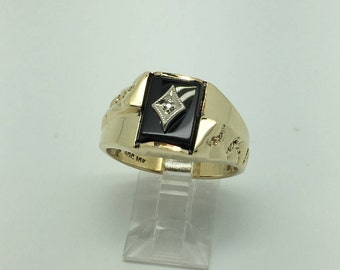 Men's 10K Yellow Gold Onyx and Diamond Ring with nugget Design