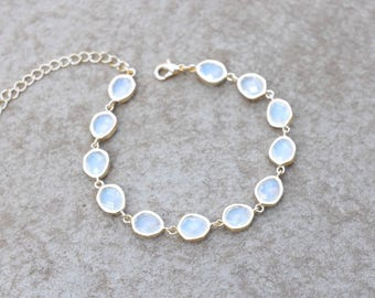 Opal Bridal bracelet, Bridal jewelry, White opal bracelet, Wedding bracelet, Wedding jewelry, Bridesmaid bracelet, Gold bracelet, Crystal