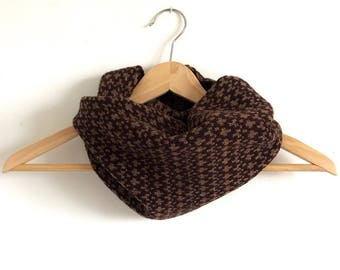 Chocolate Brown Pebble Design Snood Cowl Knitted in Supersoft Lambswool