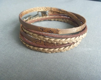 Brown/light brownwrap bracelet of leather and trendy cord