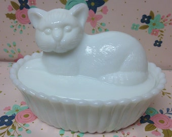 Vintage Westmoreland Cat Candy Dish ~Milk Glass~