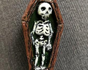Skelly Coffin Brooch/Pin