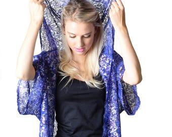 Erin Dark Blue Lace Hood