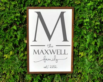 Family Name Sign, Last Name Sign, Housewarming Gift Personalized Gift, Wedding Gift for Newlyweds, Wooden Established Signs, Family Sign