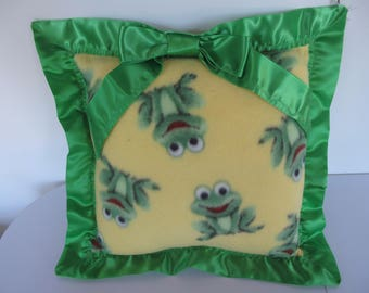 """The """"Frog"""" pillow"""