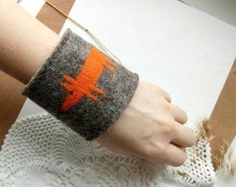 Felt Fox Bracelet Nuno Felted Unique Woolen Wrist Warmer Minimalist Wabi Sabi Jewelry Gift For Sister Little Fox Stylish Smart Adornment