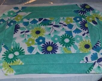 Table Graces Floral Place Mat Set