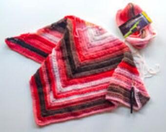 Crochet pattern for a triangular shawl