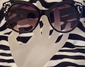 Sparkling on Trend Cats Eye Sunglasses adorned with Swarovski crystals - Black Zebra