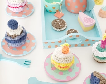Crochet Play Food Amigurumi Cupcake