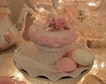 Shabby Chic Sweetheart Ceramic Cupcake Container With Pink Glitter Pink Roses and Pink Pearls Sweet Valentine Gift Birthday Gift Baby Shower
