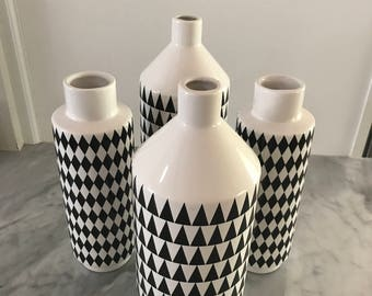 Black and White Vessels