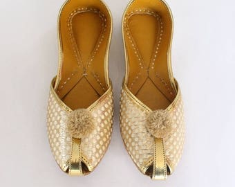 Women Bridal Wedding Shoes/Indian Gold Jutti Shoes/Gold Wedding Flats/Gold Laddu Ballet Flats/Jasmine Shoes/Khussa Shoes/US Size 5 Shoes
