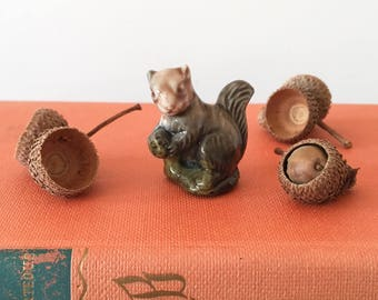 Vintage Miniature Wade Whimsie Squirrel - english miniature figurine - childrens girls room nursery dolls house #0414