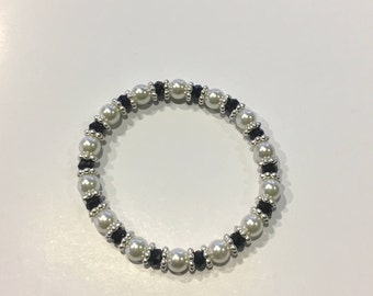 Stunning White Pearl Bracelet with Silver & Black Spacers