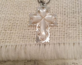 VINTAGE Sterling Silver necklace with Mother of Pearl Cross Pendant