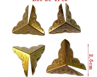 Gold protection corner model M. Size approx 39 x 25mm. Set of 4Pcs.