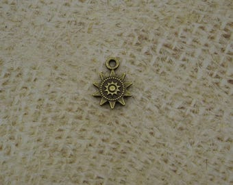5 charm 17mm brass Sun