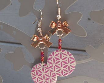 Rose gold earrings, small knots metal rose gold, red seed beads and sequin enamel pink and ivory
