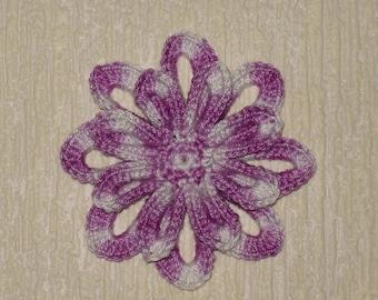 Purple and white Daisy crochet diameter 6.5 cm