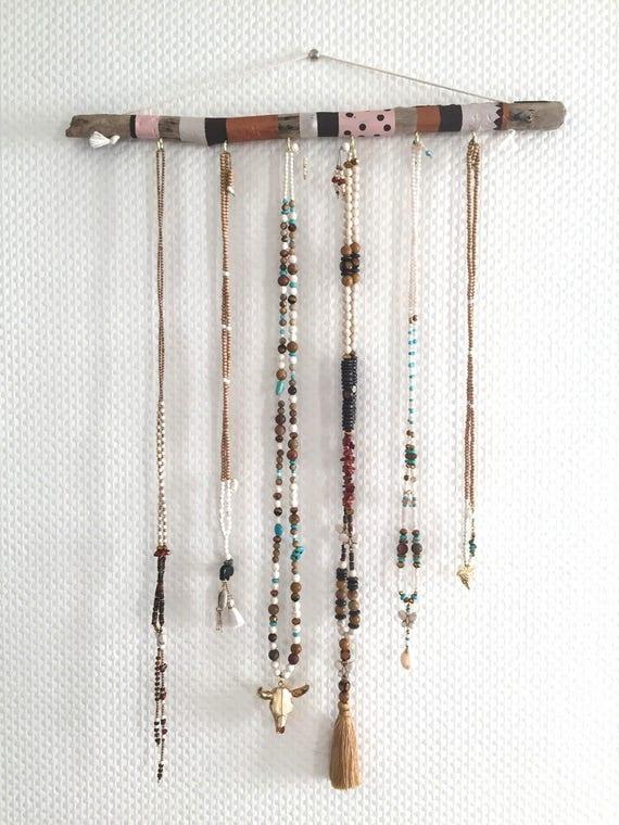 pr sentoir bijoux porte bijoux en bois flott peint. Black Bedroom Furniture Sets. Home Design Ideas