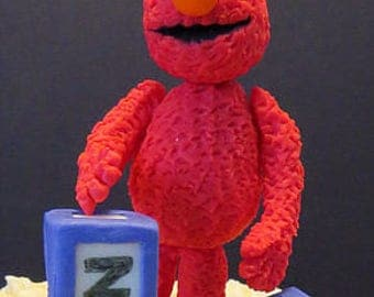 Elmo, sitting or standing