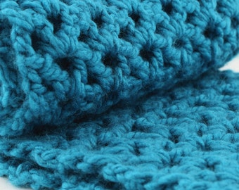 Chunky Scarf, Oversized Scarf, Infinity Scarf, Turquoise Scarf, Electric blue, Crochet, Gift for Her, Women's, Winter fashion, Ultra Soft