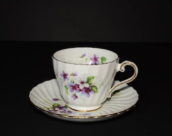 AYNSLEY, Vintage, purple and white floral, Ribbed Swirl, Teacup and Saucer, Bone China, Gold Rimmed, Footed, MINT
