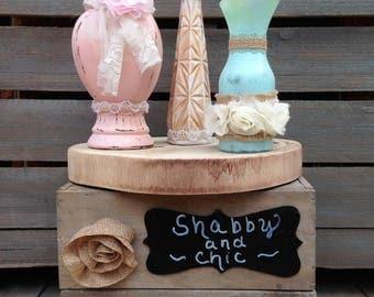 Shabby Chic Vase Set On Wood Slice