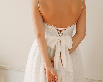 Sample Sale * Ivory lace wedding dress, bridal lace gown / Bryony