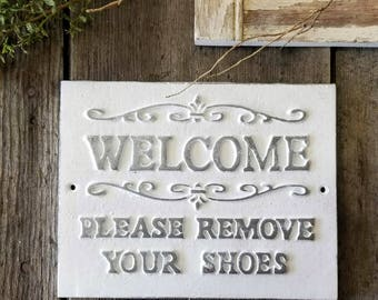 Please Remove Your Shoes Sign, No shoes allowed, Rustic Home Decor, Metal Sign