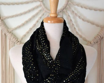 Sex in the City - Black Sparkly Infinity Fashion Scarf, Sparkly Scarf, Black and Gold Sequin loop Scarf, Women's Fashion Scarf, Sequin Scarf