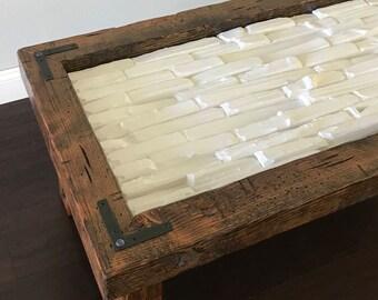 Table basse poutre with table basse poutre finest - Fabriquer une table en bois rustique ...