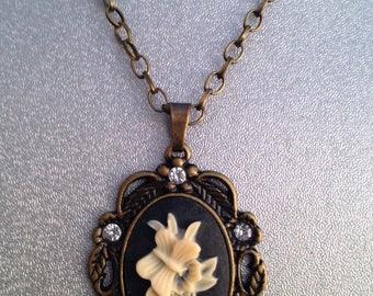 Vintage  Filigree Antique Bronze  Necklace, Vintage Filigree Antique Bronze Pendant Necklace