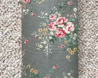 LARGE Reusable Beeswax Food Wrap Grey Vintage Flowers Floral Rose 30cm x 30cm Plastic Free Eco Friendly