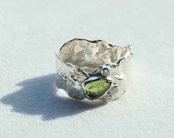Reticulated Sterling Silver Ring with Peridot Gemstone