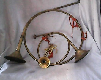 set of 3 vintage brass horns lg, m, s