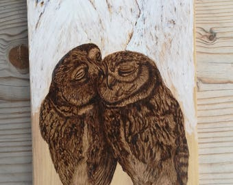 Pyrography art, wood burning art, wood burned decoration, rustic handmade wood, animal picture, owls in love, drawing on wood, wood wall art