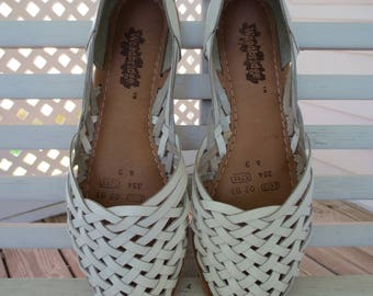 Woven White Leather Huarache Style Slip On Flat Sandals by Woodbridge - Size 8.5