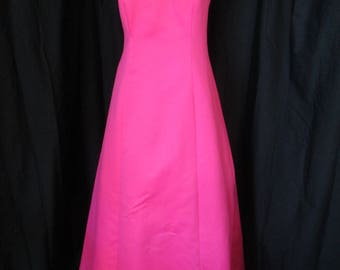 Stunning Urban Girls Nites Hot pink prom dress with straps crossing up back size 5 / 6
