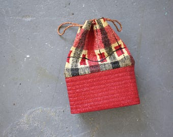 vintage 1940s purse / 40s drawstring handbag / 1940s vinyl purse / 1940s plaid bag / 40s box purse / 40s summer bag
