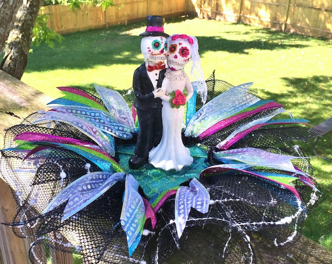 SALE- Married Bride and Groom Dia de los Muertos Sugar Skull - Day of the Dead Halloween Wedding Centerpiece