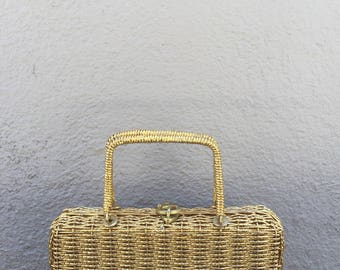 The Vintage Gold Wire Basket Hangbag Purse